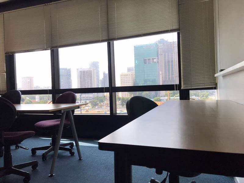 Free office space first day! Rent day to day 25 sgd! Or Weekly / monthly! Need agents!